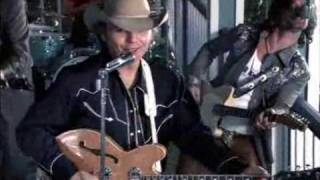 Watch Dwight Yoakam Intentional Heartache video