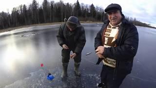 Рыбалка на жерлици первый лёд ловля щуки на живца уловистый монтаж двойник против тройника