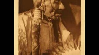 Comanche RIding Song - American Indian Flute Music