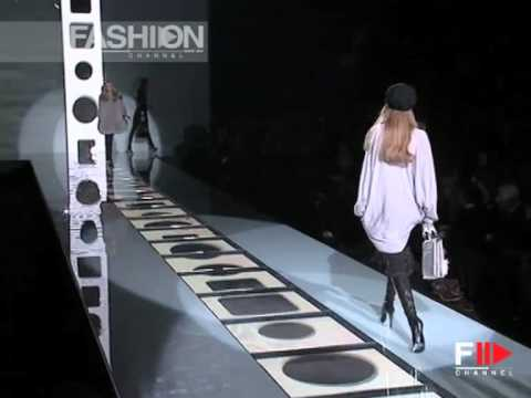 """Fashion Show """"Versace"""" Autumn Winter 2007 2008 Pret a Porter Milan 1 of 3 by Fashion Channel"""