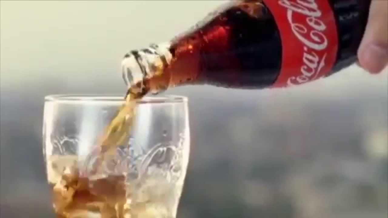 Ja çfarë i bën trupit tuaj një kanaçe Coca Cola në 60 minuta