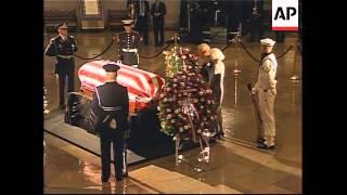 Dignitaries visit Reagan coffin in rotunda