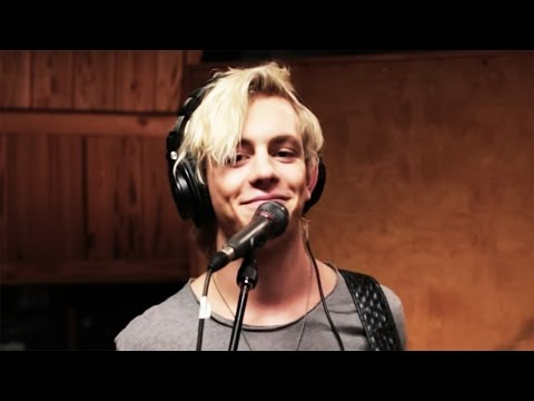 R5  Counting Stars  Disney Playlist Sessions