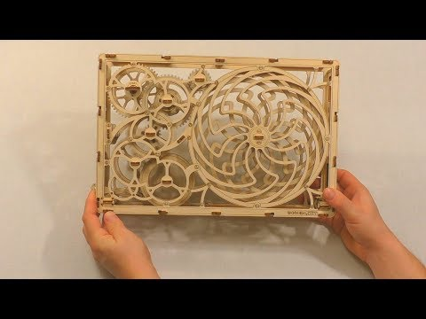"Building a model ""Kinetic Picture"" / Unpacking a Gift (wooden.city)"