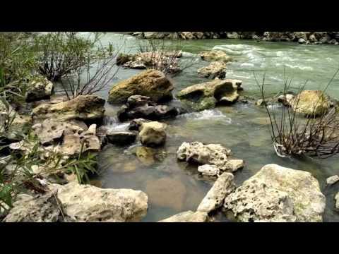 Berburu Suiseki Di Sungai Oya Yogyakarta