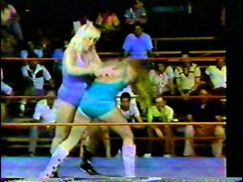 WWC: Velvet McIntyre vs. Joyce Grable (1982)