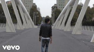 Смотреть клип Ermal Meta - Volevo Dirti