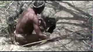 EXTRA survival & bushcraft - Bushmen Hunter Gatherers in the Kalahari