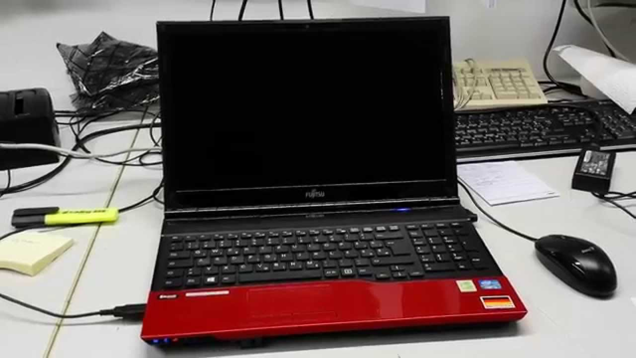 Fujitsu LIFEBOOK AH532/G21
