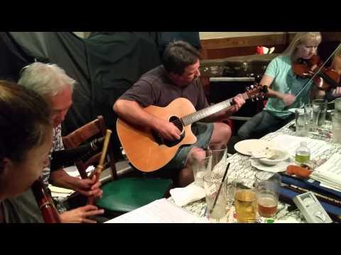 Session in Irish pub
