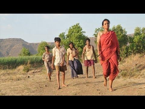 72 Miles - Ek Pravas Movie Premeire | Riteish Deshmukh, Mughda Ghodse