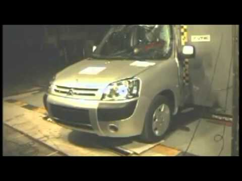 crash test citroen berlingo 2005 youtube. Black Bedroom Furniture Sets. Home Design Ideas