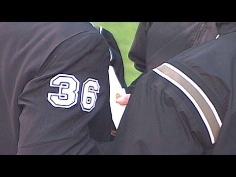 TB@CHC: Umpires discover cork in Sosa's broken bat