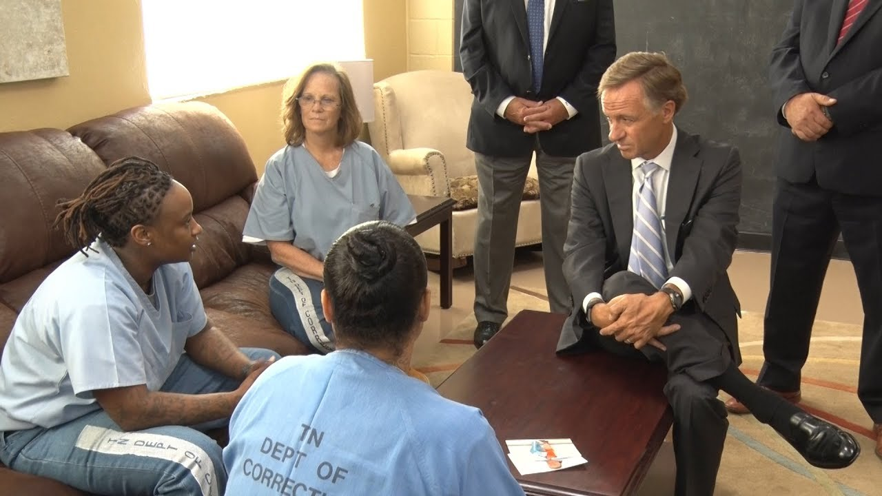 Governor Bill Haslam Visits State Prison