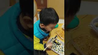 박찬서 김밥 얌얌