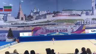 Юная гимнастка из Екатеринбурга на турнире в Казани