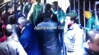 Alanyaspor Konyaspor olaylar Konyaspor başkanının kapıları açması yöneticinin jandarmaya saldirması