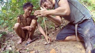 Vietnamese Tarzan & Alvaro Cerezo having lunch (BONUS VIDEO)