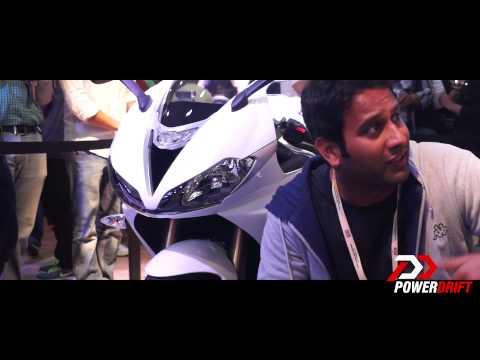 Triumph Daytona  : First Look : PowerDrift