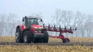 Massey Ferguson 8690 plowing with Gregoire-Besson SPB9 8 furrow