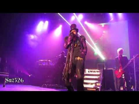 Adam Lambert Opening Medley Glasgow 112810.m4v