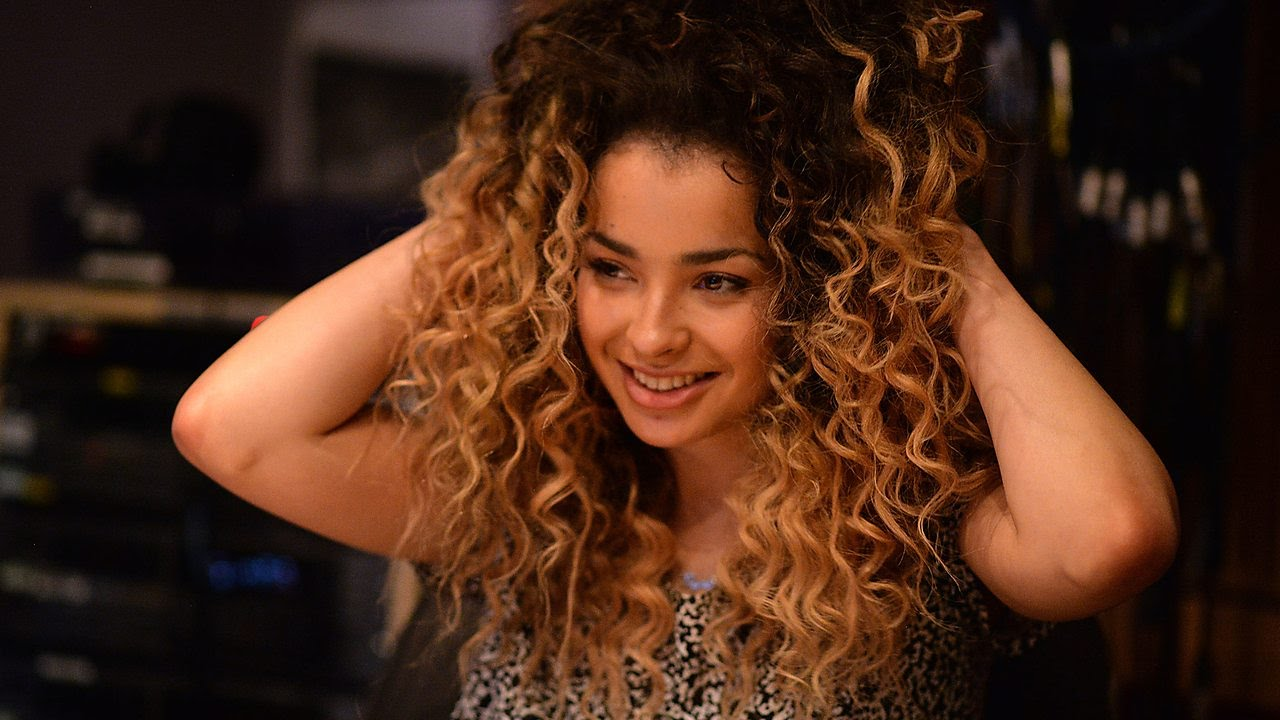 97fe4808c Ella Eyre covers Justin Timberlake (Radio 1 Live Session) - YouTube