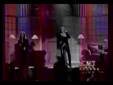 Martina McBride, Sara Evans Happy girl live 2000