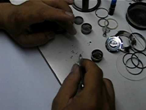 "How ""Loyswatch"" Clean and Overhaul Machine of Watches"