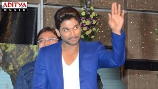 Allu Arjun Energetic Entry S/o Satyamurthy Audio Launch Video