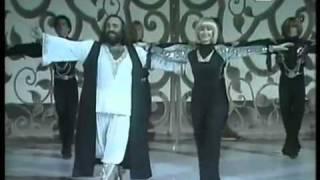 Demis Roussos dances Sirtaki