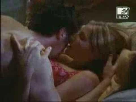 Jd & Elliot Kissing scene 2ndseason thumbnail