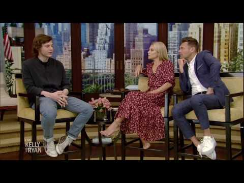 "Evan Peters Talks About How Ryan Murphy Cast Him in ""Pose"""