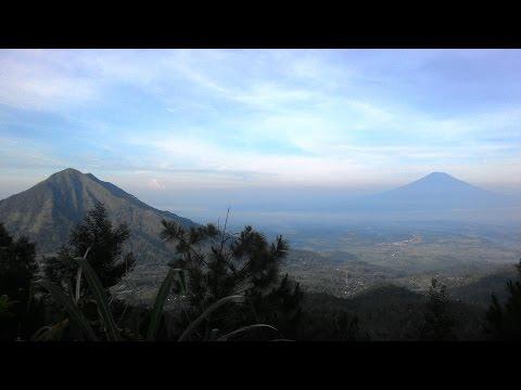 pagi-hari-di-gunung-telomoyo