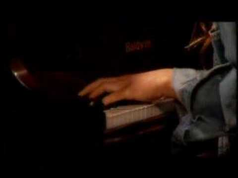 Fiona Apple singing O'Sailor - Live Acoustic
