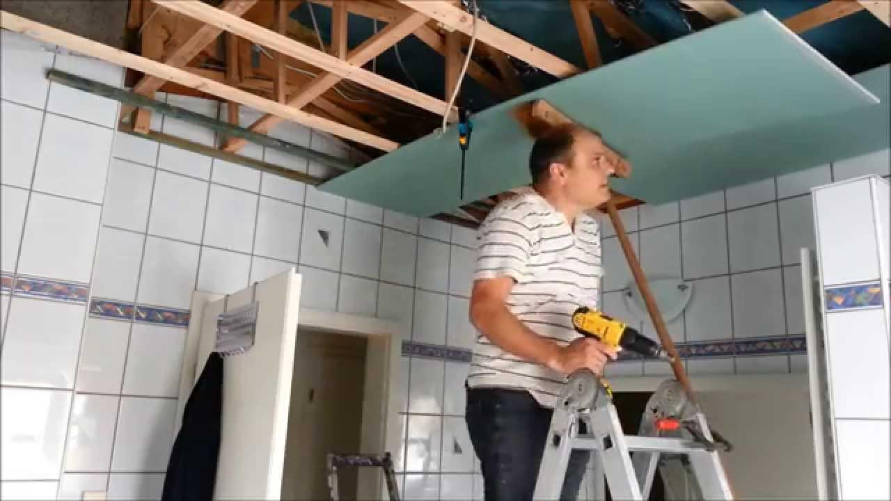 Mit Rigipsplatten Die Decke Im Bad Umbauen Erneuern Teil 2 Youtube