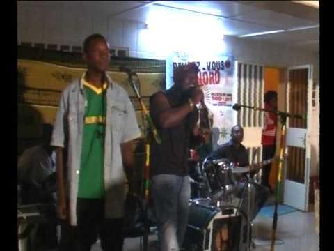 Fulgence Compaoré sur la RTB (Radio Télévision du Burkina Faso ) 100% reggae.