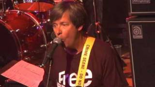 Dave Barry sings \