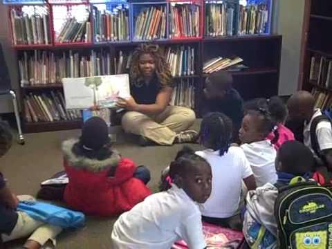Katrina reading to the kids