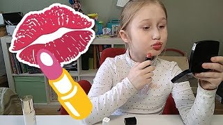 Мамина косметика / Пока мама на работе / Видео для детей