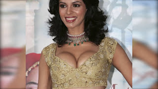 TOP 10 Bollywood Heroines who went NUDE