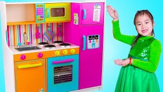 Jannie Pretend Play Cooking Food Challenges with Giant Kitchen Toy thumbnail