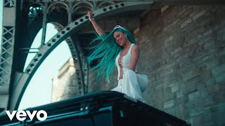 KAROL G, Mariah Angeliq - EL MAKINON (Official Video)