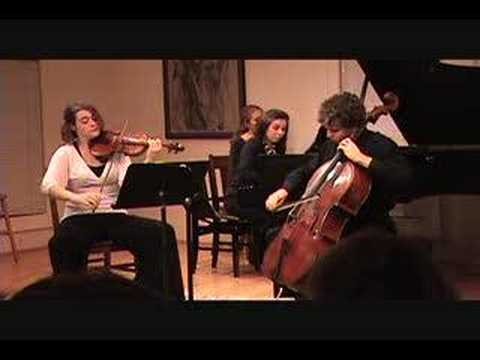 Robert Schumann Op. 80 Trio - movement 2