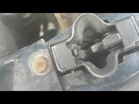 Merceder-benz W210  как открыть капот если заклинел замок или сорвался тросс 1995-1999год