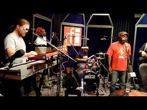 Radio recording - Chatty Chatty Mouth - Clinton Fearon & Boogie Brown band @ RFI (part2)