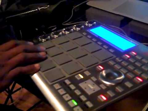 THE MIGHTY PARIS x Akai MPC Studio live beat session at Sweatbox ...