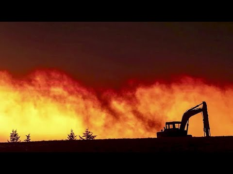 Hundreds of thousands flee from U.S. West fires