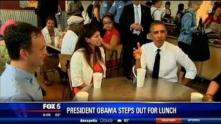 President Obama has lunch at Chipotle restaurant in Woodley Park