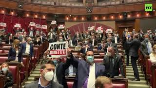 'Conte, resign' | Centre-right deputies occupy the Chamber to protest against Italian Prime Minister