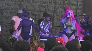 Mulatto Performing Live